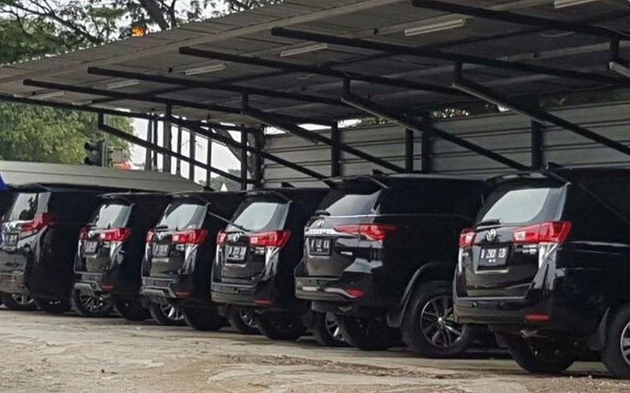Ajeng Rental Mobil