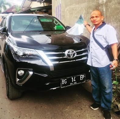 Rental Mobil Palembang Merah Putih Lepas Kunci
