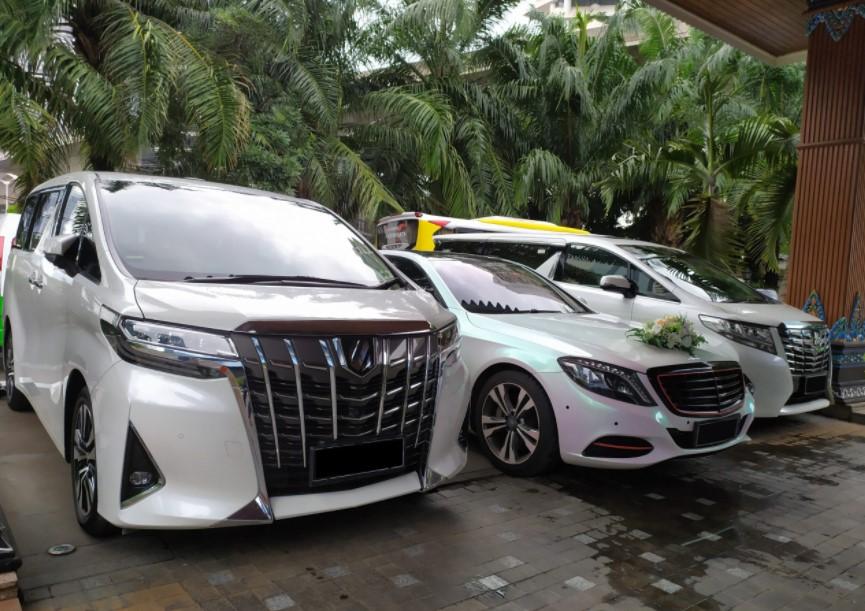 Sewa Mobil Mewah Jakarta Barat